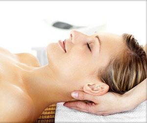 Massaggio Viso Testa Collo